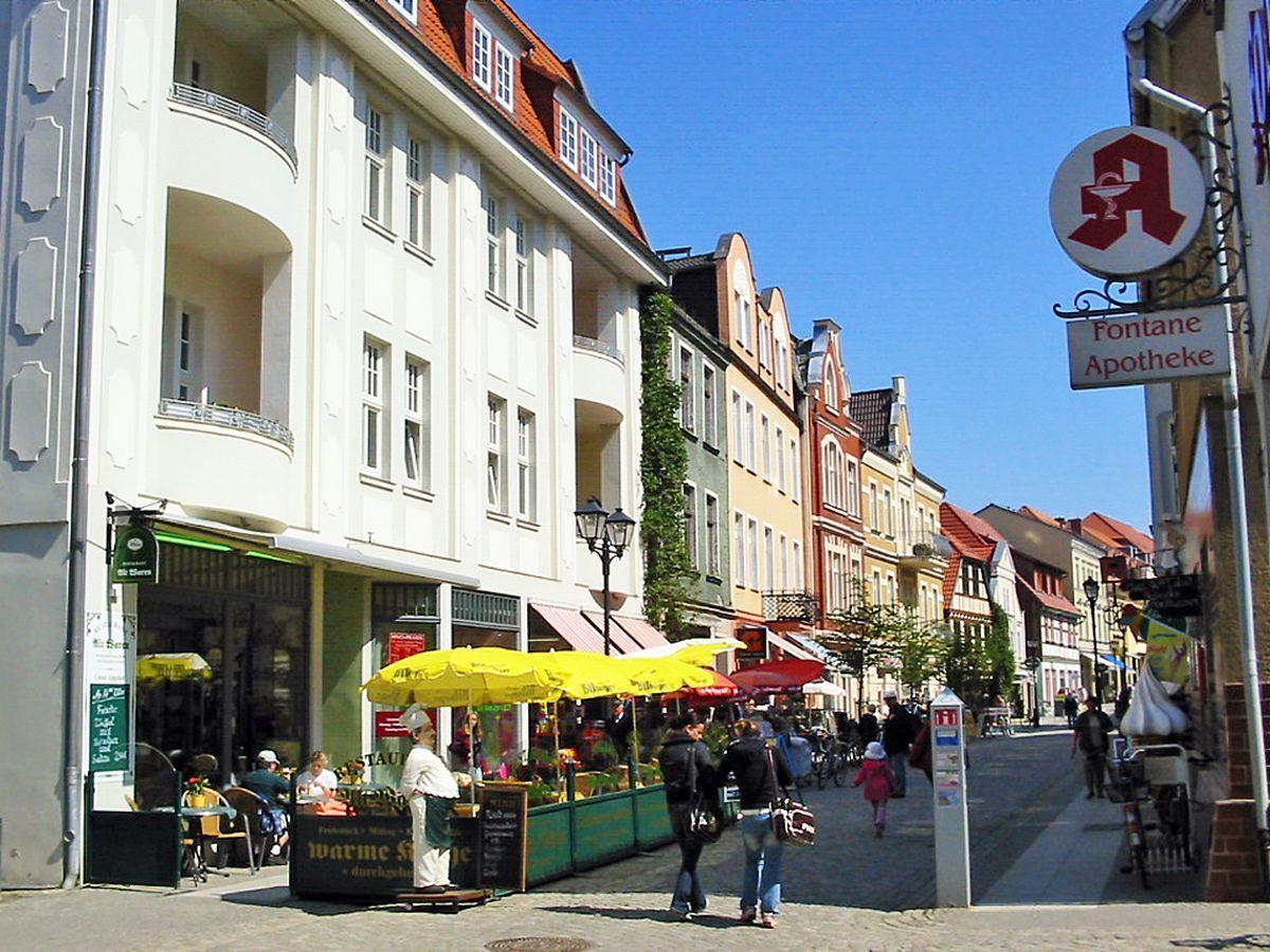 Nur 100m: Die Innenstadt von Waren