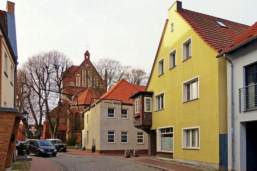 ...und der St.-Georgen-Kirche