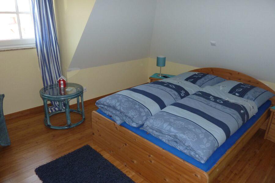 Kleines Schlafzimmer im Obergeschoss