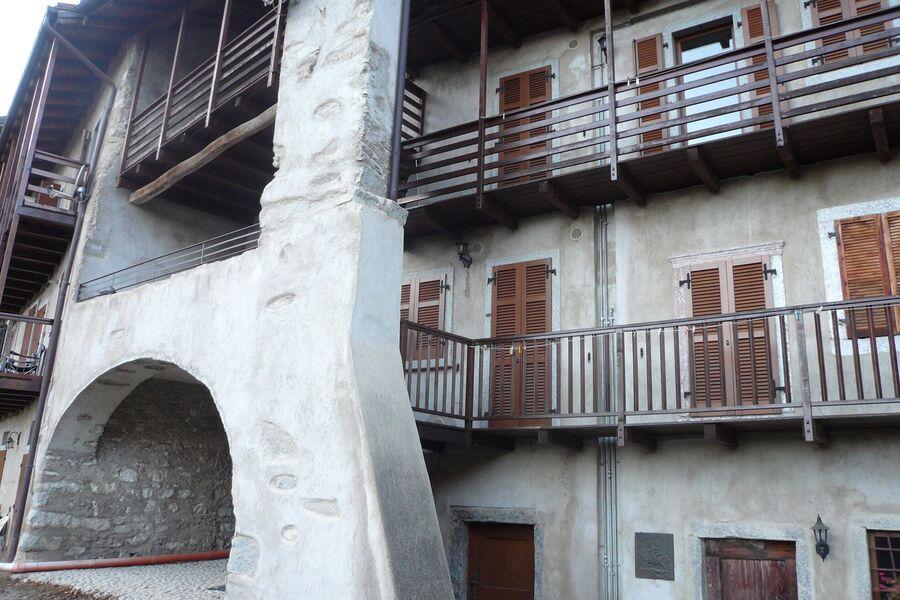 Haus mit Portico, Balkone zum Süden