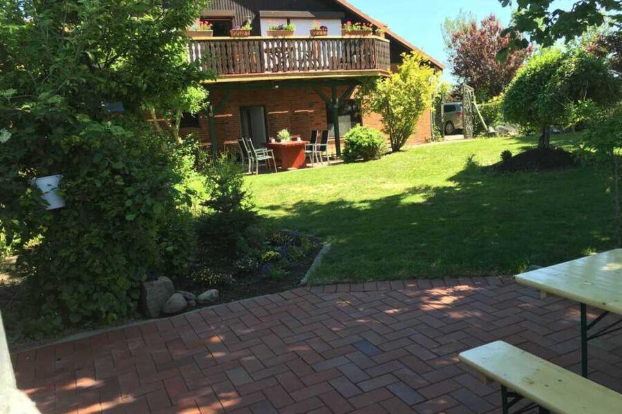 Ferienwohnungen mit Garten
