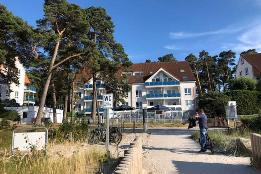 Mitte Haus A links daneben Haus C Haus Ferienwohnu