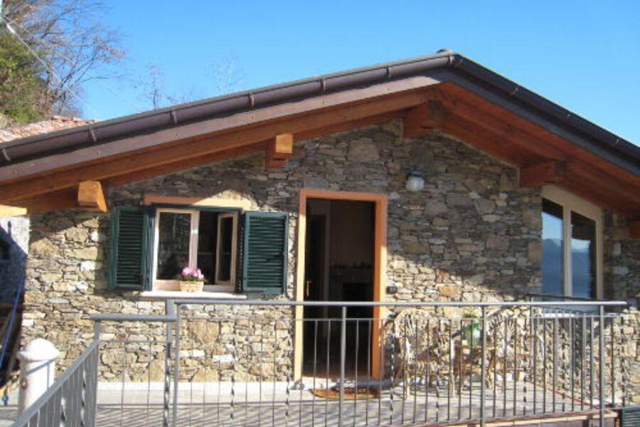Hauseingang Wohnung Girasole