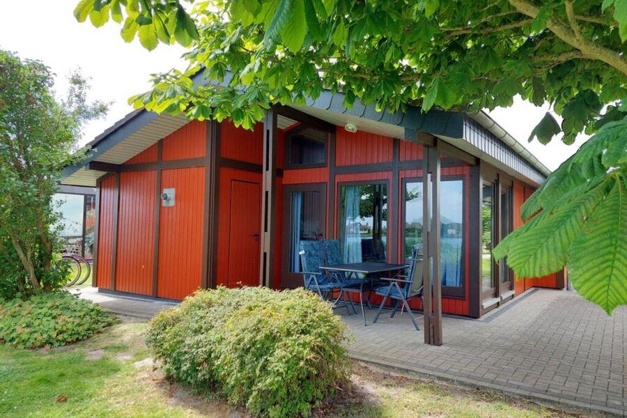 Der Blick auf das schön Haus, direkt an einem See
