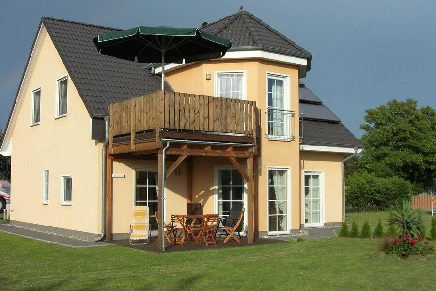 Ferienhaus Darssblick Gartenseite