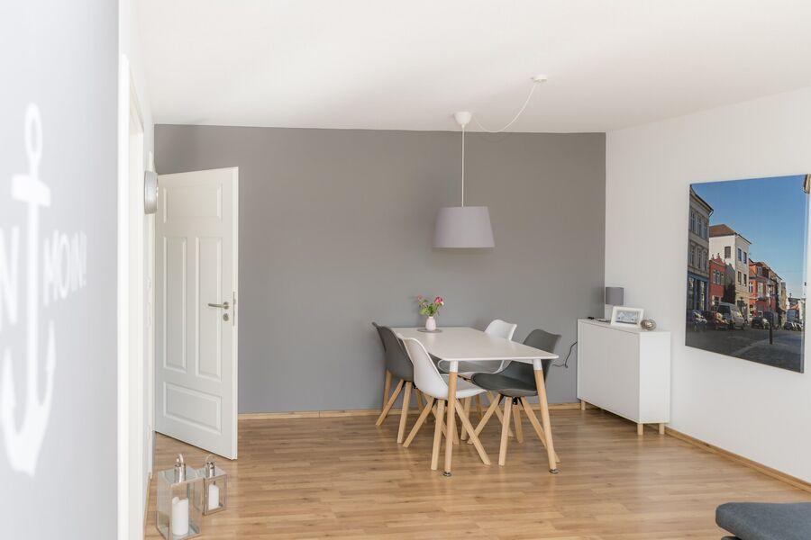 Geräumiges Duschbad