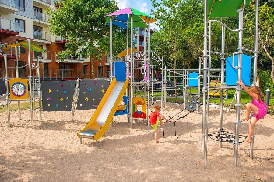 Kinderspielplatz im Kompex Polanki Park