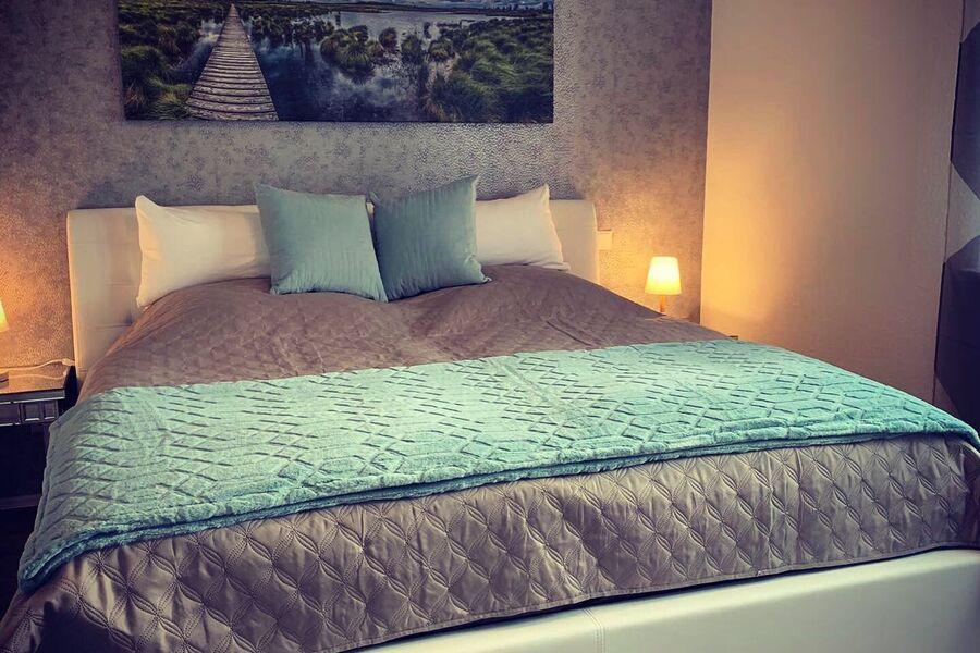 Gemütliches Bett zum Relaxen 180x200cm
