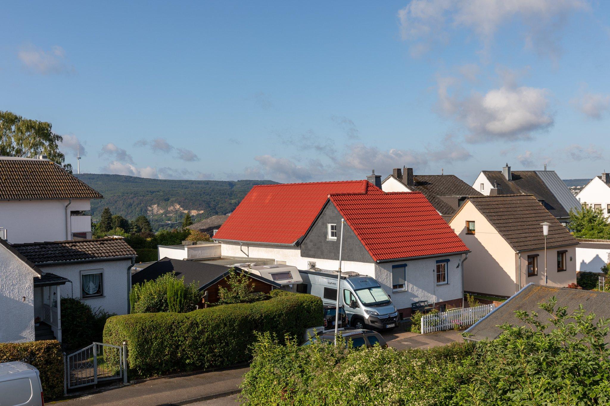 Die Nachbarschaft (Blick von Balkon)