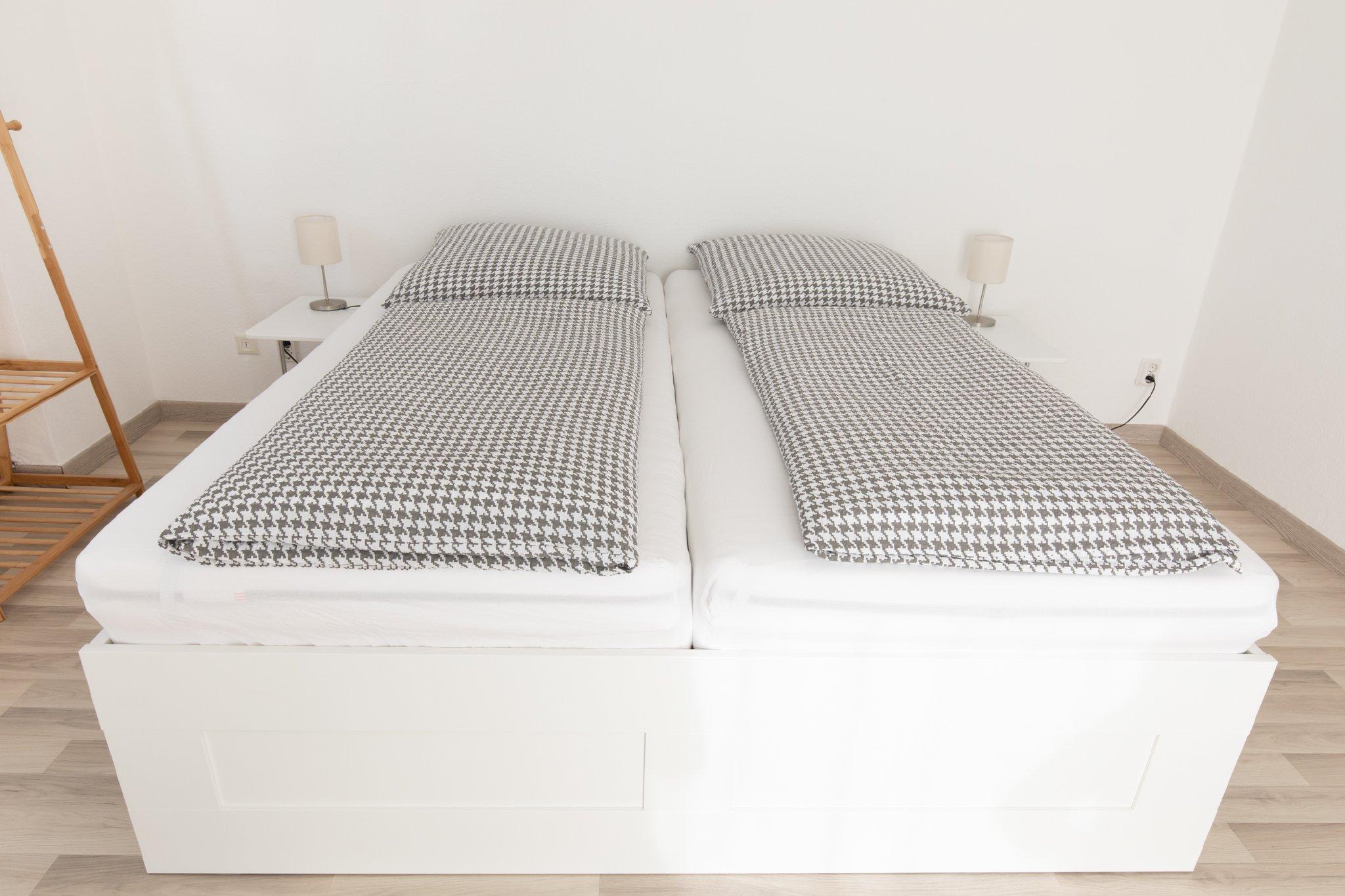 Großes Bett (1,8x2,0m)