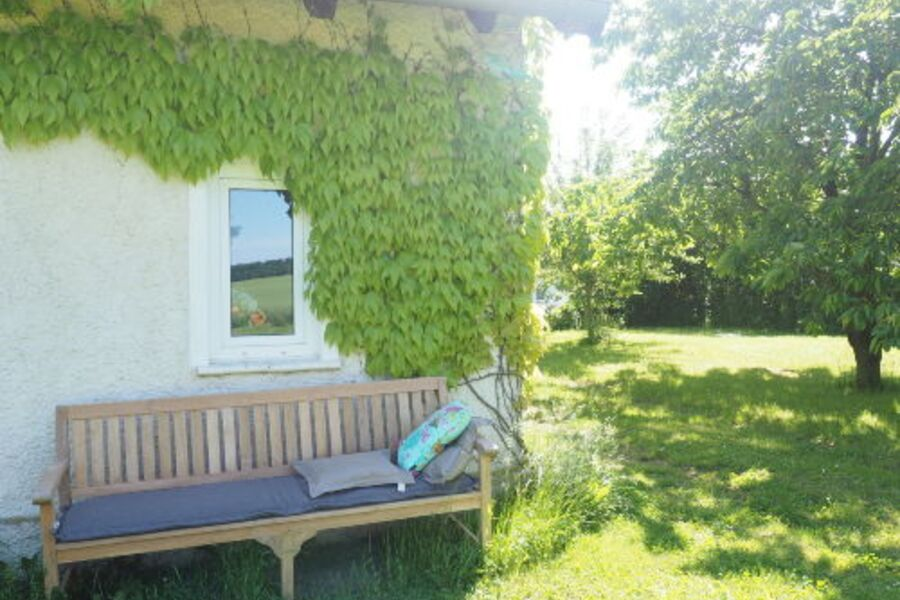 Gartenbank-stilvoll und gemütlich