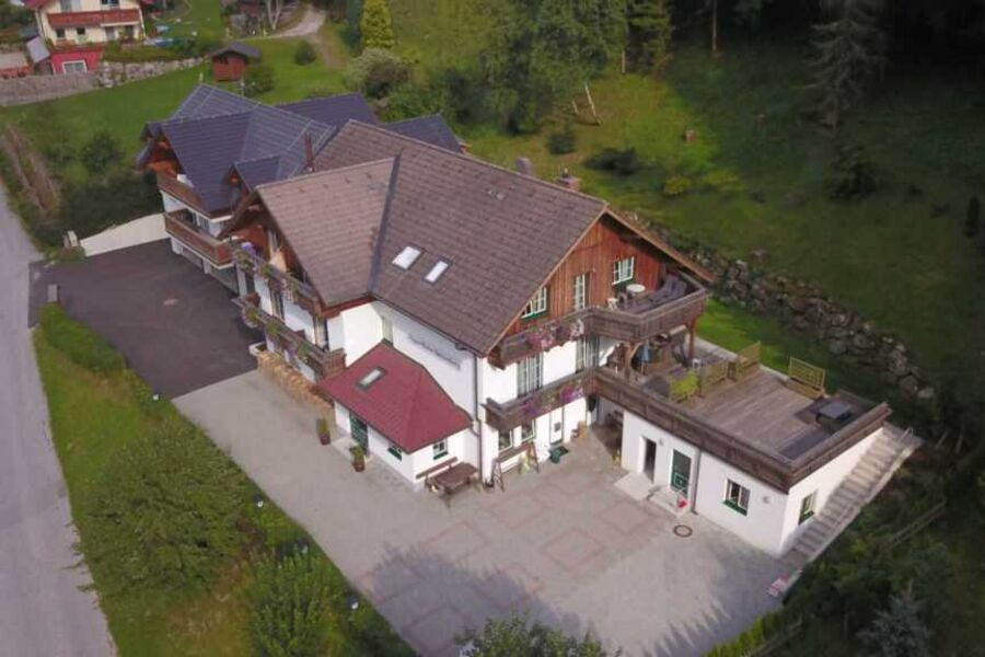 Apparthaus Sonnenberg, Zwei Apartment mit Terrasse