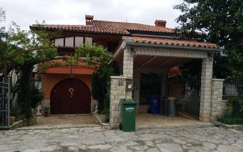 Villa MaVeRo in der Nähe des Strandes, Wohnung A3 mit Innenhof und Privatparkplatz