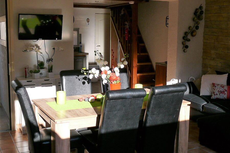 Wohn-Essbereich mit offener Küche