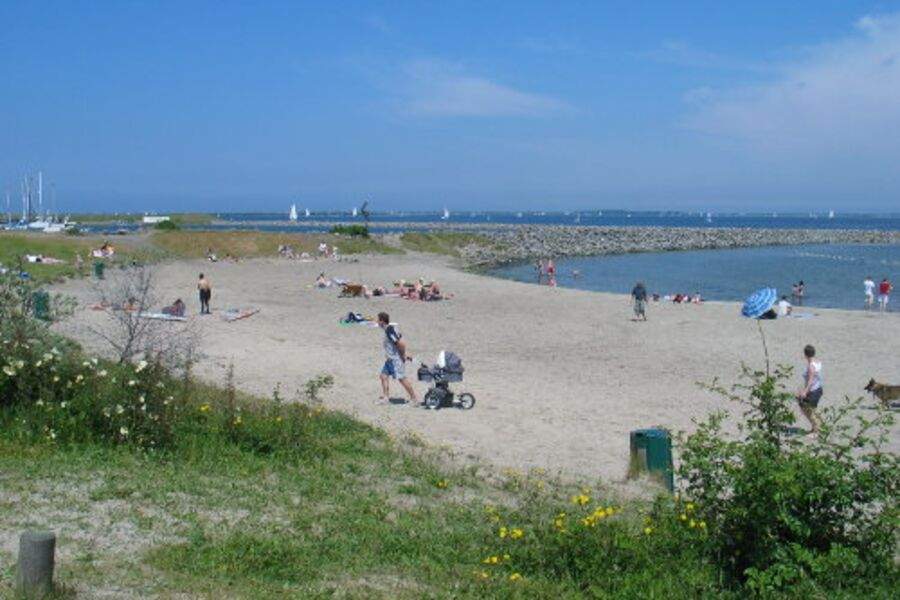 300M von der Unterkunft: kleines Strand