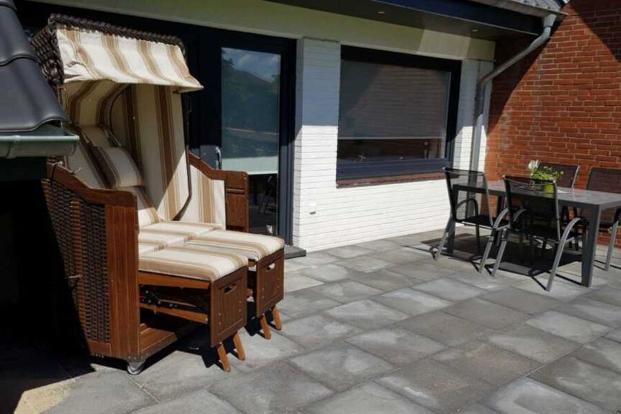 Terrasse mit Strandkorb