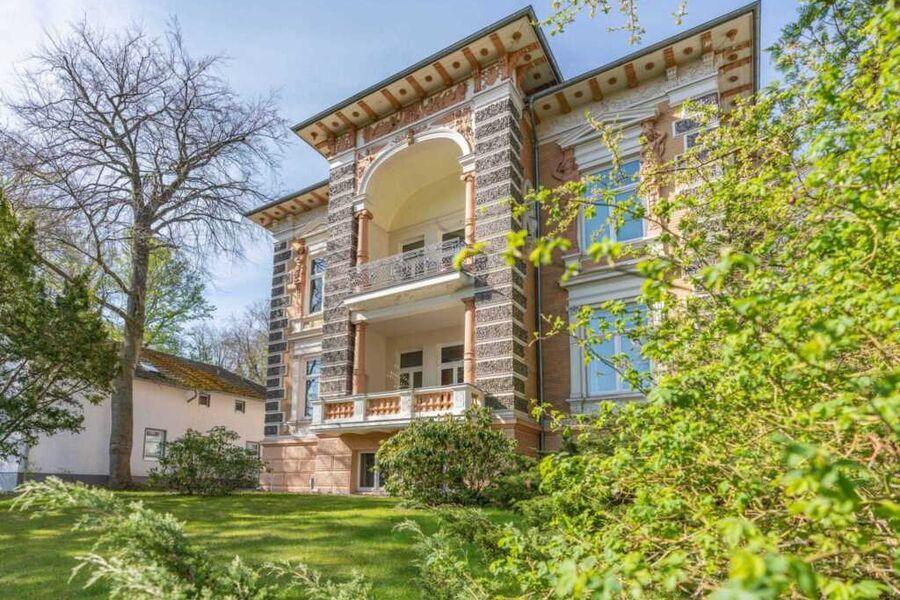 Villa Ikarus