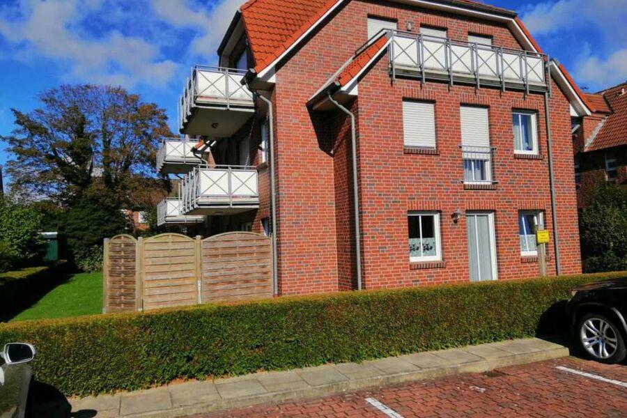 Außenansicht - Terrasse mit Sichtschutz unten link