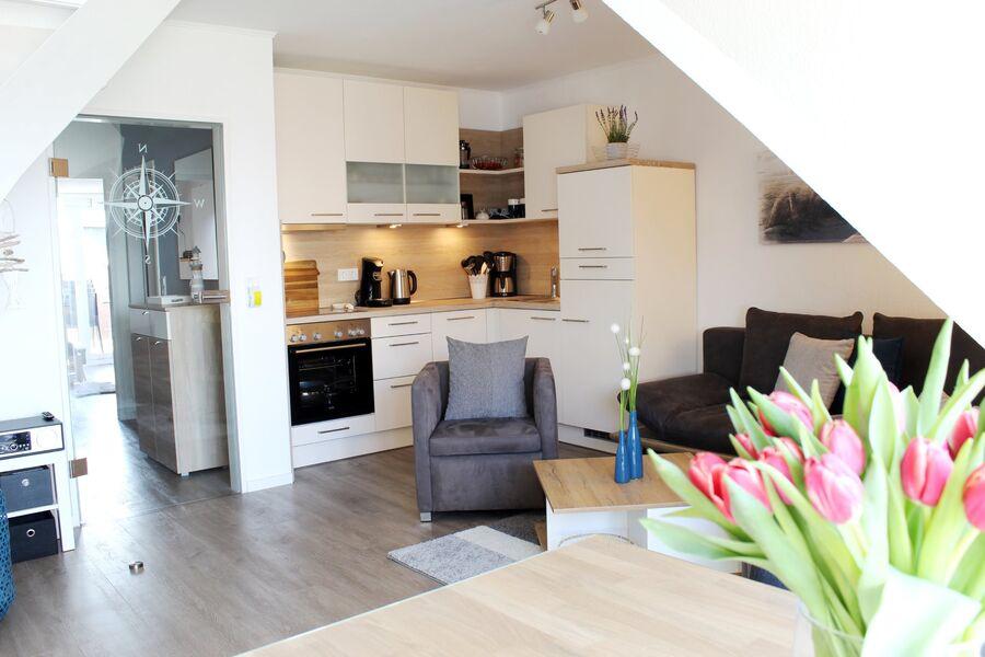 Wohnzimmer mit integrierter Küche (2019)