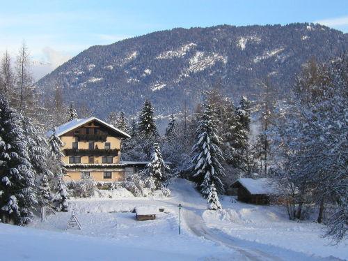 Ferienhaus und Chalet Astrid im Winter