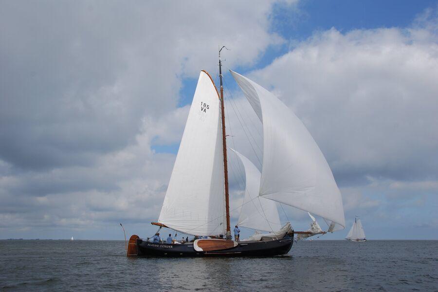 Blauwe Donder under sail