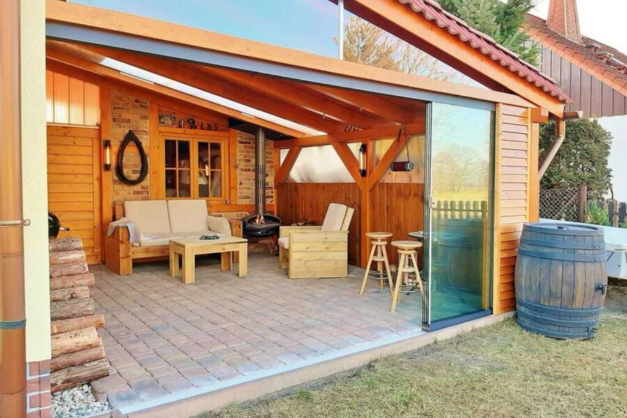 Überdachten Außenbereich mit Sitzecke