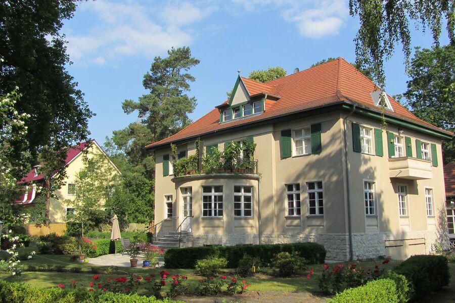 Südseite der Villa