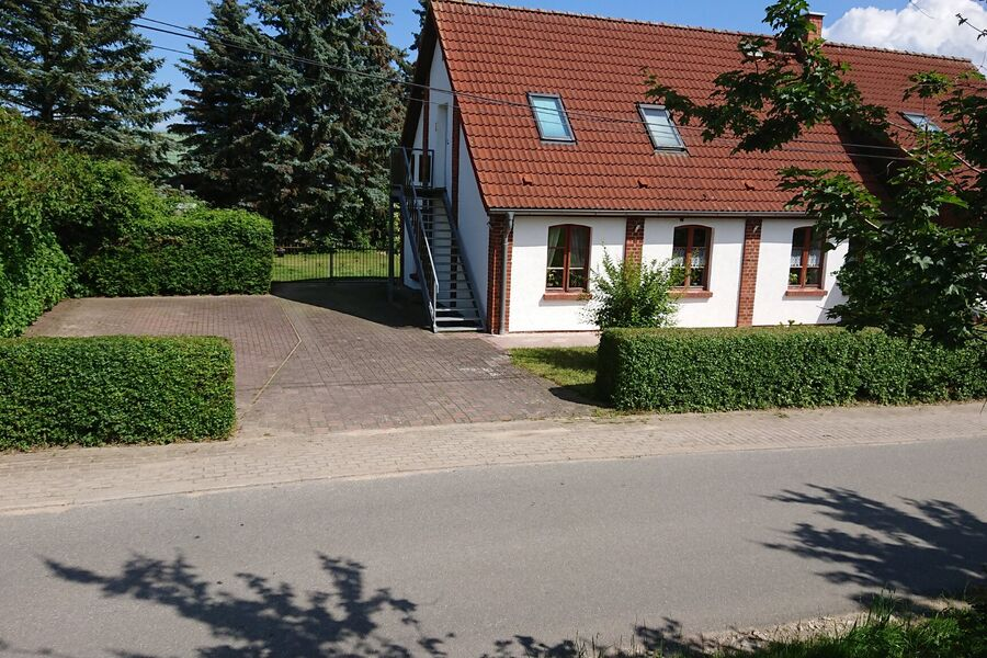 Separater Eingang und Stellplatz