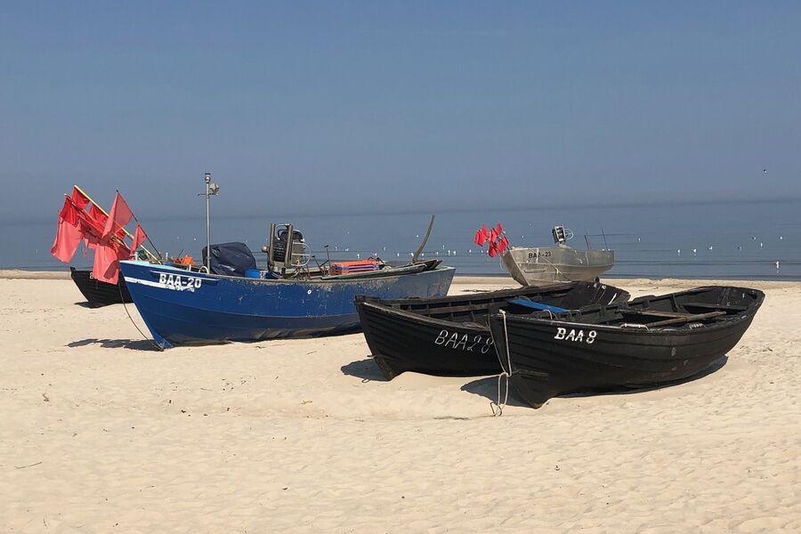 Fischerboote am Strand von Baabe