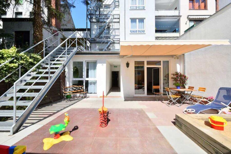 Innenhof - Backyard