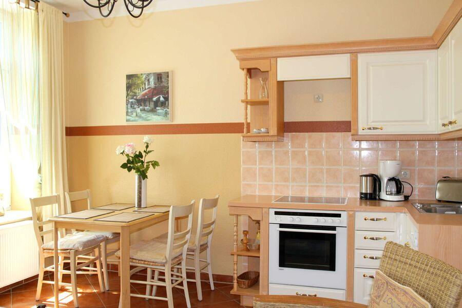 WEIßE ROSE - Wohnzimmer mit Küche