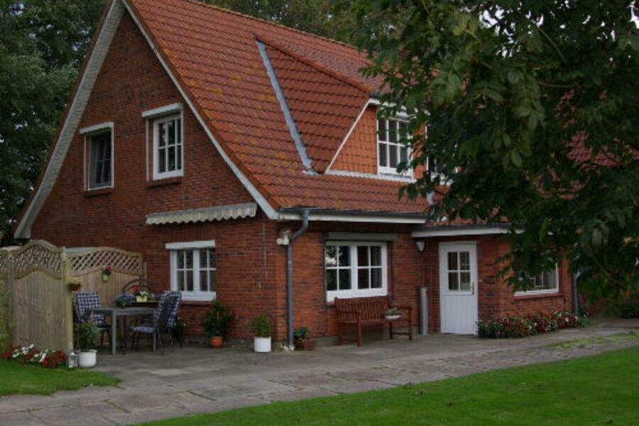 Blick auf die Wohnung mit Terrasse
