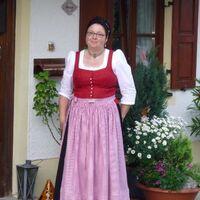 Vermieter: Ihre Vermiterin Monika Anner