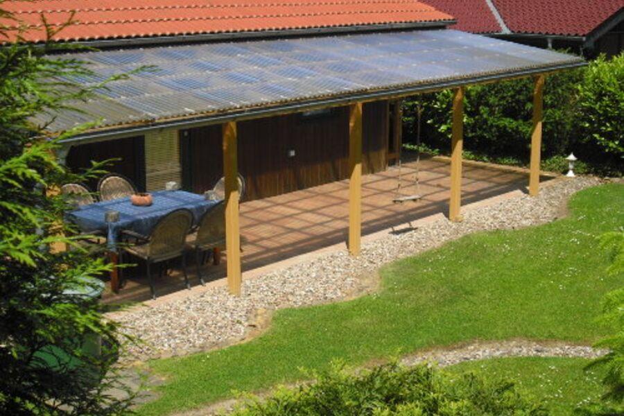 Haus Rose mit Terrasse und Garten