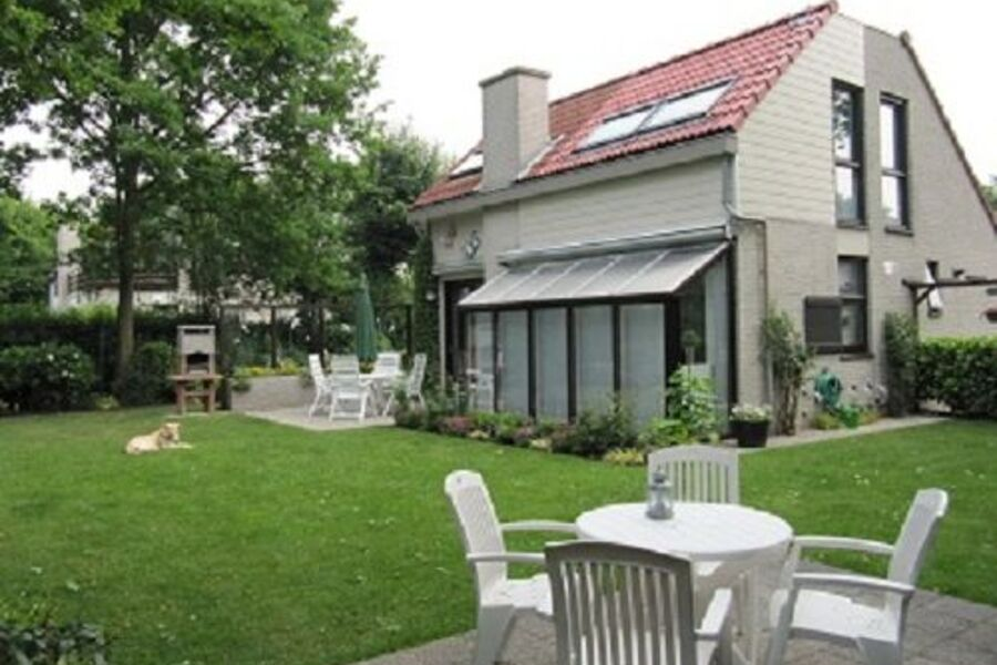 Haus - Gartenansicht