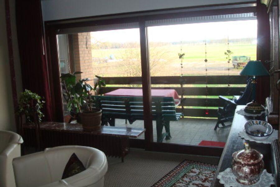 Wohnzimmmer mit Balkon und Aussicht !