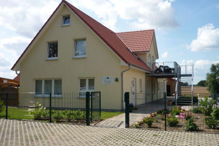 Der Eingang zum Landhaus Krassow