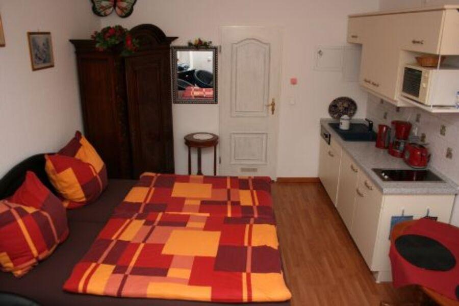 Wohn/Schlafbereich mit gr. bequemen Bett