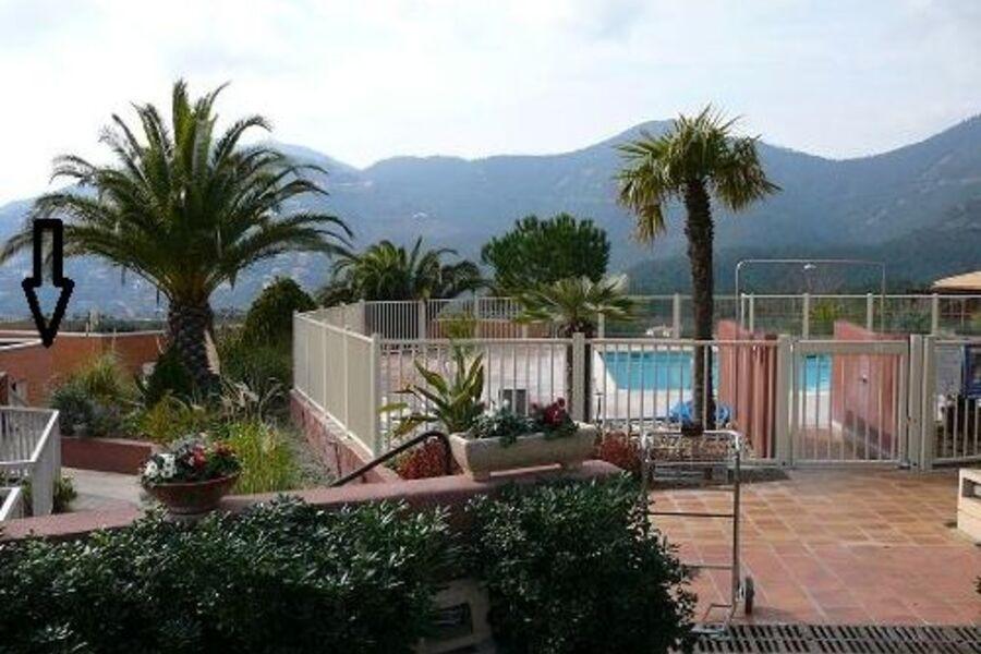 Pool und Gartenanlage(Ausschnitt)
