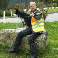 Vermieter: Vermieter M. Weber mit seinem Hund