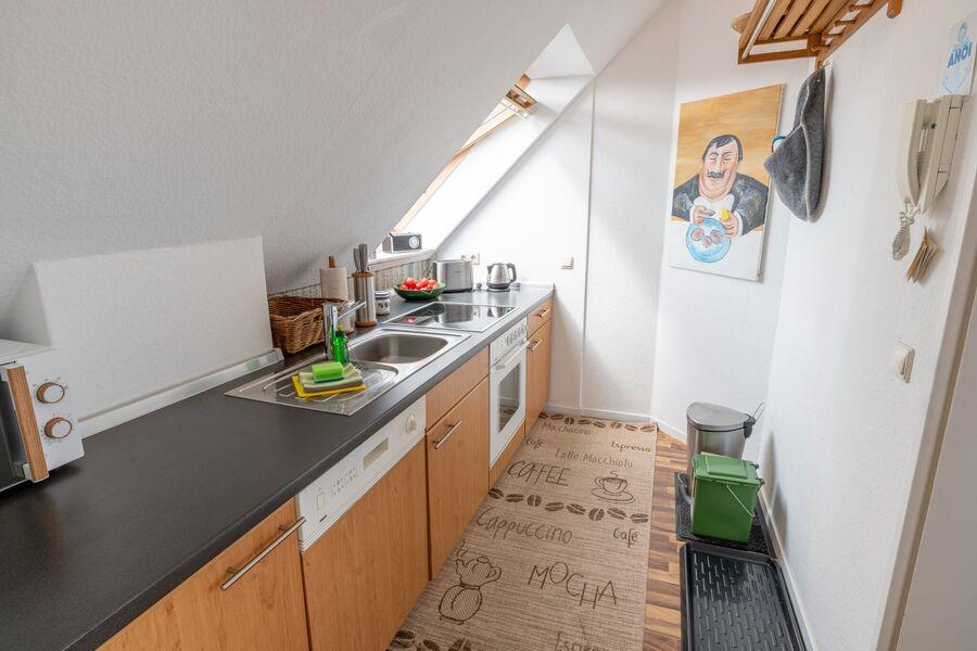 Blick von der Küche zum Wohnen