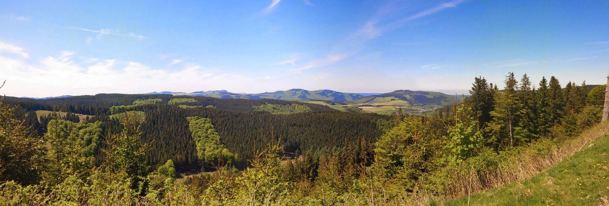 Blick vom Rothaarsteig ins Tal