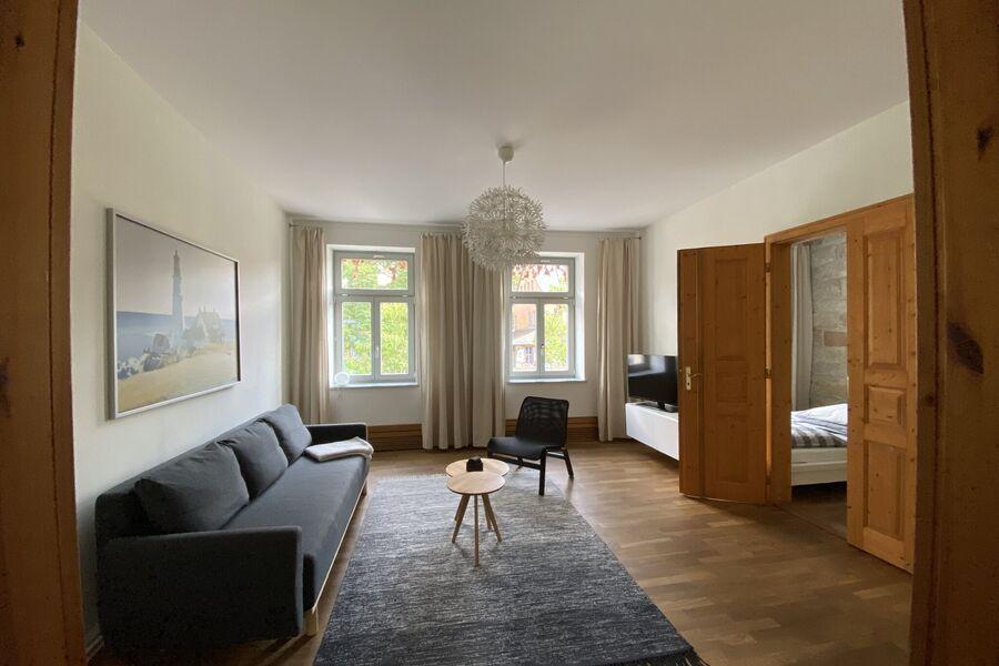 Wohnraum mit LCD TV, Bettsofa, WLAN