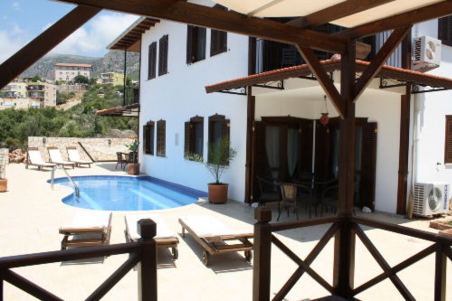 Villa aus Sicht der türkischen Ecke