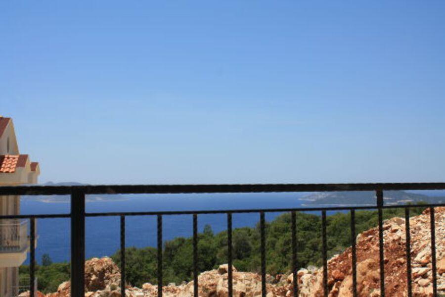 Blick vom Deckchair auf das Meer...