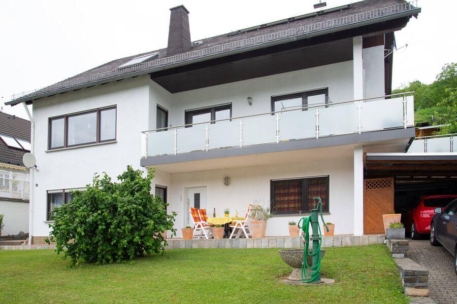 Ferienwohnung mit Terrasse im Erdgeschoß