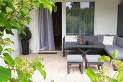 Eigene Terrasse mit Garten