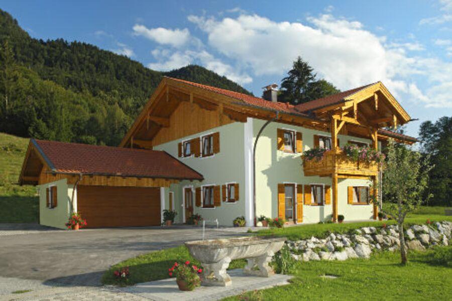 Neu erbautes Zuhaus mit Ferienwohnungen