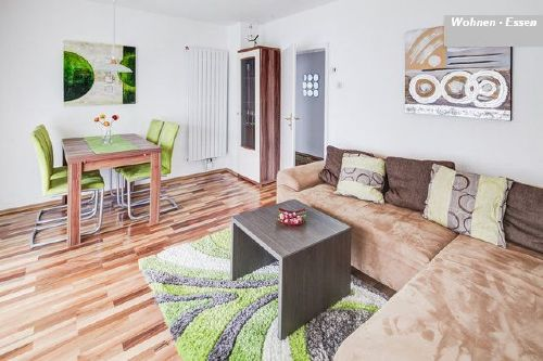 ferienwohnung augsburg hochzoll in augsburg bayern magdalena schygulla. Black Bedroom Furniture Sets. Home Design Ideas