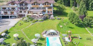 Gartenhotel Rosenhof  - Luxus Chalet 'Villa Rosa' in Oberndorf in Tirol - kleines Detailbild